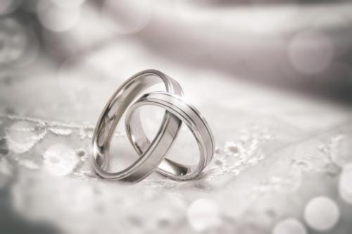 ThinkstockPhotos-Rings1- b&w